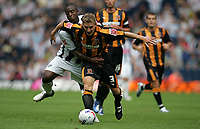Photo: Lee Earle.<br /> West Bromwich Albion v Hull City. Coca Cola Championship. 05/08/2006. Albion's Nathan Ellington (L) battles with Andy Dawson.