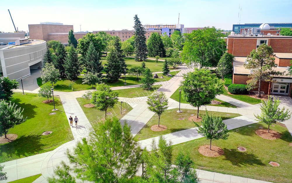 The Spline runs south through campus south of the Park Library. Photo by Steve Jessmore/ Central Michigan University