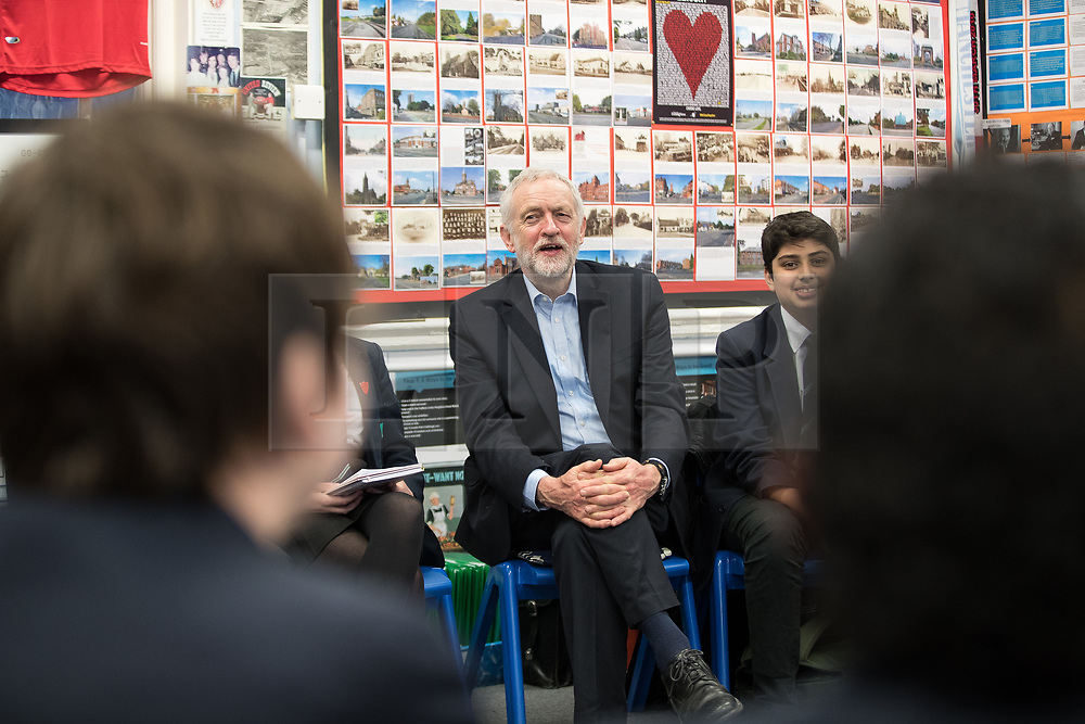 © Licensed to London News Pictures . 22/03/2018. Manchester, UK. JEREMY CORBYN visits a class at Stretford High School in Trafford after launching of the Labour Party's local election campaign . Photo credit: Joel Goodman/LNP