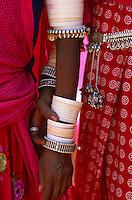 Inde. Rajasthan. Region de Ghanerao. Boucle d'oreille. Bijoux. // India. Rajasthan. Ghanerao region. Jewel.