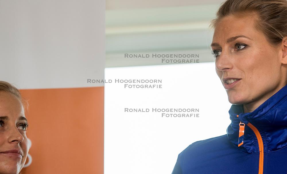 24-11-2016 NED: Persconferentie Volley2018, Den Haag<br /> In &quot;The Penthouse restaurant / skybar&quot; werd op de 40 ste  verdiepingvan de Haagse Toren (Het Strijkijzer) de komende toernooien &quot;volley2018&quot; van de Nevobo gepresenteerd / Marleen Ramond-van Iersel, Manon Nummerdor-Flier