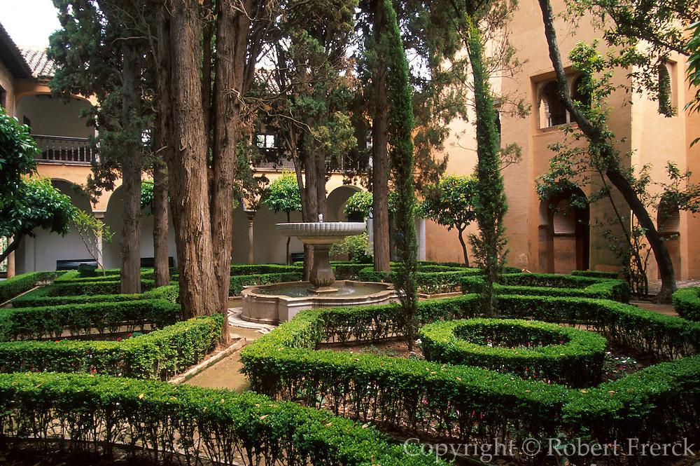 SPAIN, ANDALUSIA, GRANADA Alhambra; Patio of Lindaraja