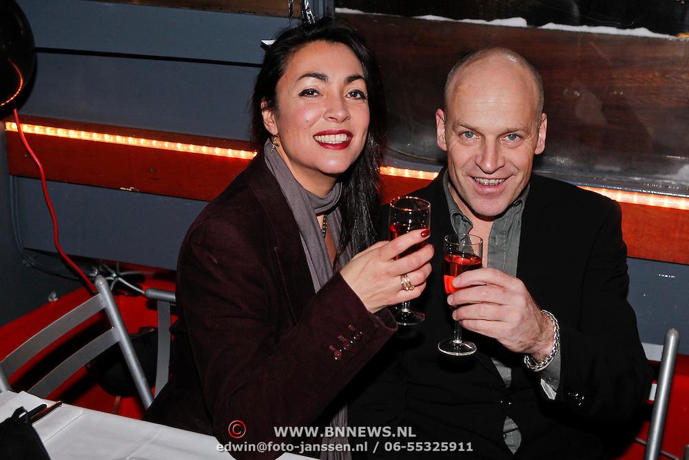NLD/Amsterdam/20101218 - Verjaardag Maik de Boer met familie en vrienden, Monique Klemann en partner Jeroen den Hengst