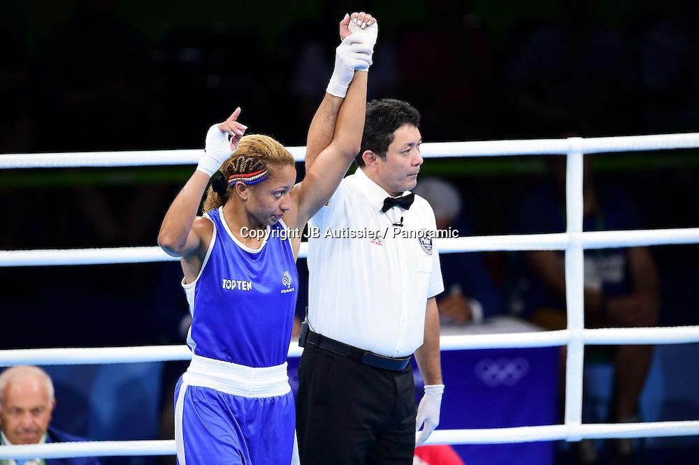 victoire de MOSSELY Estelle (Fra - bleu) - demie finale poids leger - 57-60kg - femmes