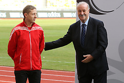 02.12.2012, Olymia Stadion, Kiev, UKR, Praesentation des neuen Adidasballes fuer die Euro 2012, im Bild RAFAL MURAWSKI (L), VICENTE DEL BOSQUE (P) // during the presentation of the neuw Adidas ball for Euro 2012 at Olypic stadium in Kiev, UKR on 2011/12/02. EXPA Pictures © 2011, PhotoCredit: EXPA/ Newspix/ Lukasz Grochala..***** ATTENTION - for AUT, SLO, CRO, SRB, SUI and SWE only *****