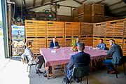 Abbenbroek, 3-7-2020 <br /> <br /> Koning Willem Alexander tijdens een werkbezoek aan Van der Poel Loonbedrijf & Akkerbouw in Abbenbroek. Het werkbezoek stond in het teken van de impact van de corona-uitbraak op de land- en tuinbouwsector.