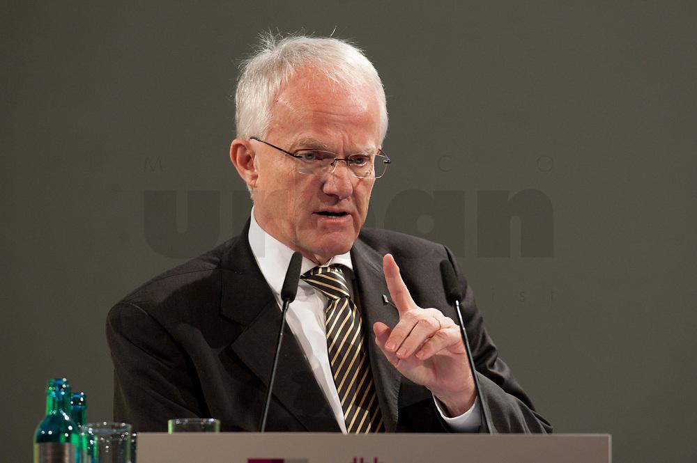 """11 JAN 2010, KOELN/GERMANY:<br /> Dr. Juergen Ruettgers, CDU, Ministerpraesident Nordrhein-Westfalen, dbb Jahrestagung """"Europa nach Lissabon - Fit fuer die Zukunft?"""", Messe Koeln<br /> IMAGE: 20100111-01-101<br /> KEYWORDS: Jürgen Rüttgers"""
