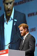 Zanger Elton John en de Britse prins Harry tijdens een sessie op het AIDS2018 congres over het werk van de Elton John Aids Foundation.<br /> <br /> Singer Elton John and the British Prince Harry during a session at the AIDS2018 congress about the work of the Elton John Aids Foundation.<br /> <br /> Op de foto:  Prins Harry, hertog van Sussex / Prince Harry, Duke of Sussex