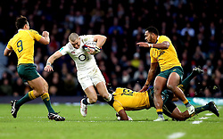 Mike Brown of England is tackled by Tevita Kuridrani of Australia - Mandatory by-line: Robbie Stephenson/JMP - 03/12/2016 - RUGBY - Twickenham - London, England - England v Australia - Old Mutual Wealth Series