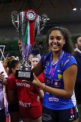 11-05-2017 ITA: Finale Liu Jo Modena - Igor Gorgonzola Novara, Modena<br /> Novara heeft de titel in de Italiaanse Serie A1 Femminile gepakt. Novara was oppermachtig in de vierde finalewedstrijd. Door een 3-0 zege is het Italiaanse kampioenschap binnen. / Celeste Plak #4<br /> <br /> ***NETHERLANDS ONLY***