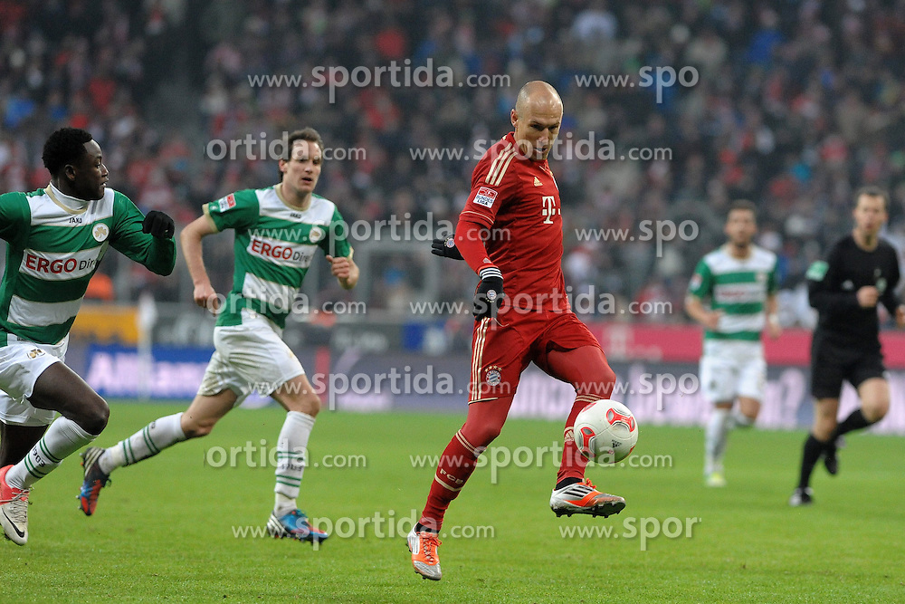 19.01.2013, Allianz Arena, Muenchen, GER, 1. FBL, FC Bayern Muenchen vs SpVgg Greuther Fuerth, 18. Runde, im Bild Arjen ROBBEN (FC Bayern Muenchen),l hinten Stephan FUERSTNER (SpVgg Greuther Fuerth) // during the German Bundesliga 18th round match between FC Bayern Munich and SpVgg Greuther Fuerth at the Allianz Arena, Munich, Germany on 2013/01/19. EXPA Pictures © 2013, PhotoCredit: EXPA/ Eibner/ Wolfgang Stuetzle..***** ATTENTION - OUT OF GER *****
