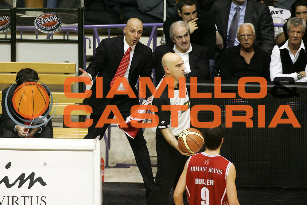 DESCRIZIONE : Bologna Lega A1 2005-06 Vidi Vici Virtus Bologna Armani Jeans Milano <br /> GIOCATORE : Djordjevic Natali Armani Corbelli Arbitro <br /> SQUADRA : Armani Jeans Milano <br /> EVENTO : Campionato Lega A1 2005-2006 <br /> GARA : Vidi Vici Virtus Bologna Armani Jeans Milano <br /> DATA : 29/01/2006 <br /> CATEGORIA : Delusione <br /> SPORT : Pallacanestro <br /> AUTORE : Agenzia Ciamillo-Castoria/G.Ciamillo