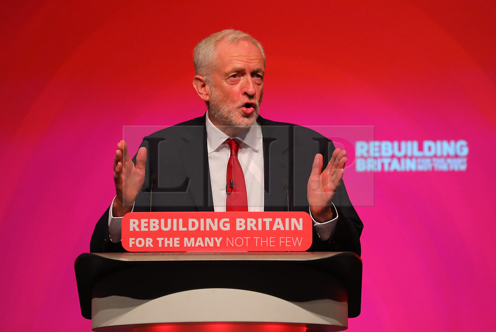 © Licensed to London News Pictures. 26/09/2018. Liverpool, UK. Labour Party Leader JEREMY CORBYN MP delivers his closing speech at the Labour Party Conference 2018. Photo credit: Rob Pinney/LNP