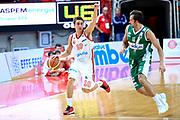 DESCRIZIONE : Varese Lega A 2013-14 Cimberio Varese Sidigas Avellino<br /> GIOCATORE : De Nicolao Andrea<br /> CATEGORIA : Palleggio<br /> SQUADRA : Cimberio Varese<br /> EVENTO : Campionato Lega A 2013-2014<br /> GARA : Cimberio Varese Sidigas Avellino<br /> DATA : 03/11/2013<br /> SPORT : Pallacanestro <br /> AUTORE : Agenzia Ciamillo-Castoria/I.Mancini<br /> Galleria : Lega Basket A 2013-2014  <br /> Fotonotizia : Varese Lega A 2013-14 Cimberio Varese Sidigas Avellino<br /> Predefinita :