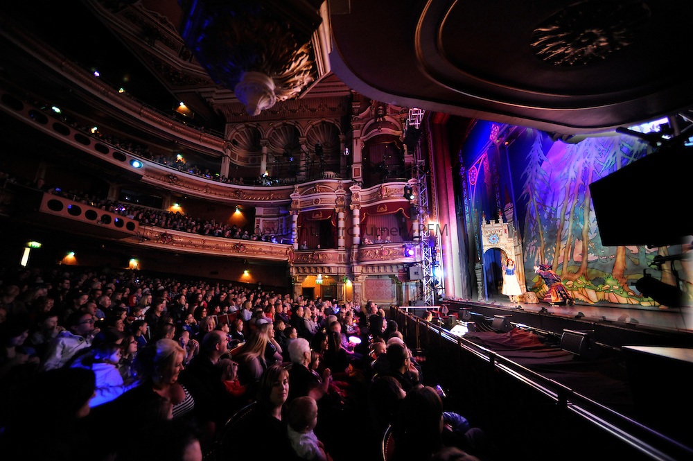 Snow White at The Kings - Photo Essay<br /> Front of House