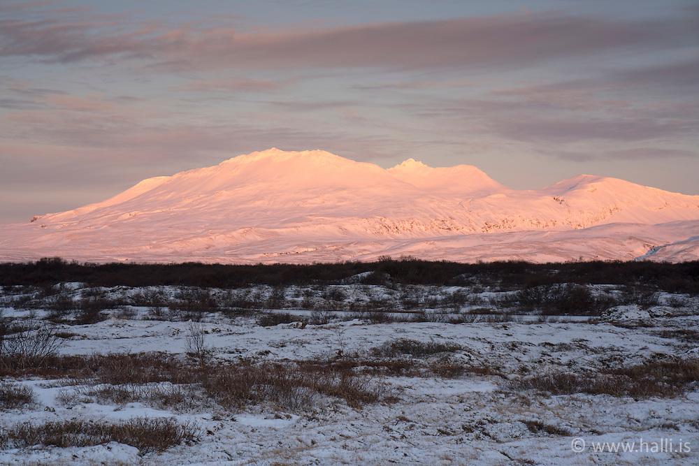 Sunrise in the mountains at Thingvellir, Iceland - sólarupprás á Þingvöllum