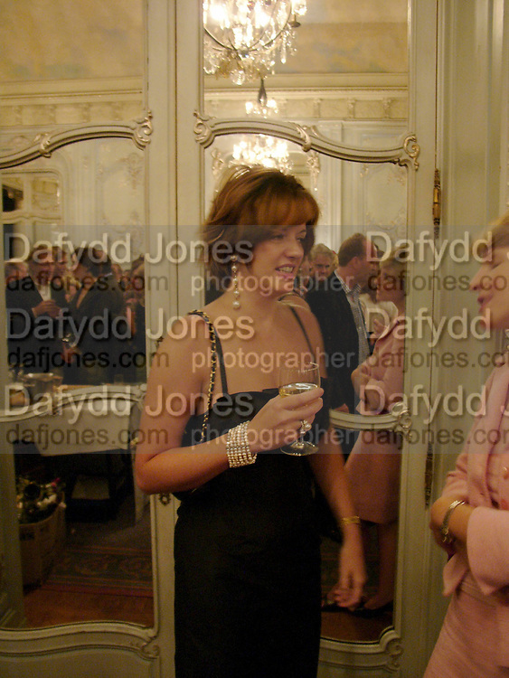 Petronella Wyatt, Flora Fraser launch party for her book ' Princesses the Daughters of George 111' the Savile club, Brook St. 14 September 2004. SUPPLIED FOR ONE-TIME USE ONLY-DO NOT ARCHIVE. © Copyright Photograph by Dafydd Jones 66 Stockwell Park Rd. London SW9 0DA Tel 020 7733 0108 www.dafjones.com