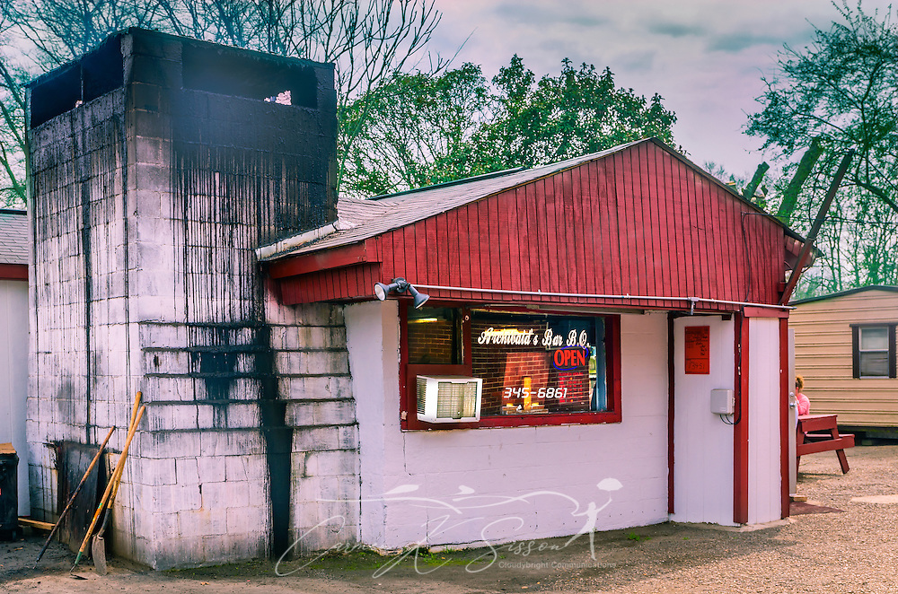 Archibald's Bar B.Q., located in Northport, Ala., is a tiny building that packs a big punch. Vinegar-based sauce lends a delicate taste to the main event — the pork ribs. The restaurant, a favorite with locals, openedin 1962 and is packed on Alabama football game days. (Photo by Carmen K. Sisson/Cloudybright)
