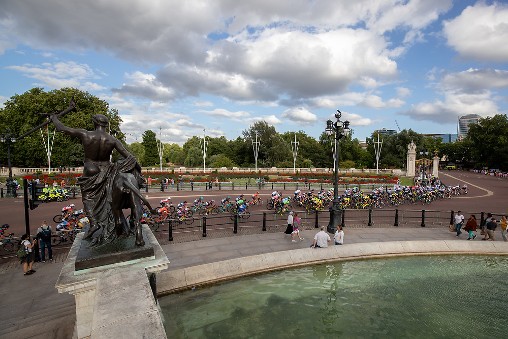 The race heads away from Buckingham Palace seen from the Queen Victoria Memorial. The Prudential RideLondon Classique. Saturday 28th July 2018<br /> <br /> Photo: Jed Leicester for Prudential RideLondon<br /> <br /> Prudential RideLondon is the world's greatest festival of cycling, involving 100,000+ cyclists - from Olympic champions to a free family fun ride - riding in events over closed roads in London and Surrey over the weekend of 28th and 29th July 2018<br /> <br /> See www.PrudentialRideLondon.co.uk for more.<br /> <br /> For further information: media@londonmarathonevents.co.uk