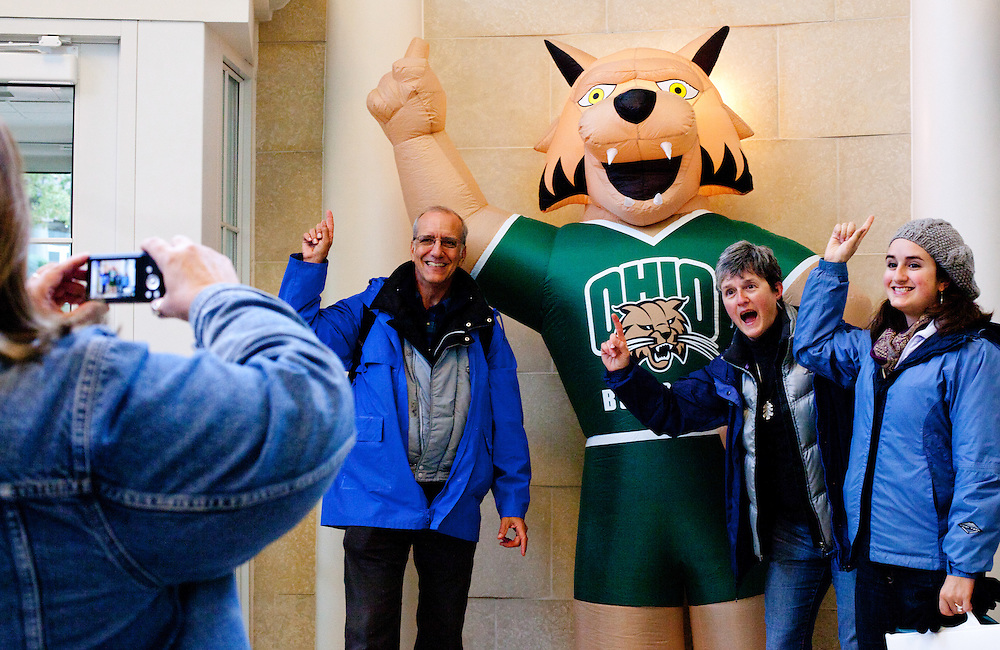 OU parents having breakfast and having fun. © Ohio University / Photo by Sonya Paclob