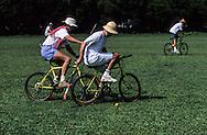 Hong Kong. last bicycle polo match barracks  Gurkhas    / dernier match de polo . bicyclette sur la base militaire ìGalipoli Linesî du bataillon  Gurkha  / R00057/68    L940714a  /  P0000323