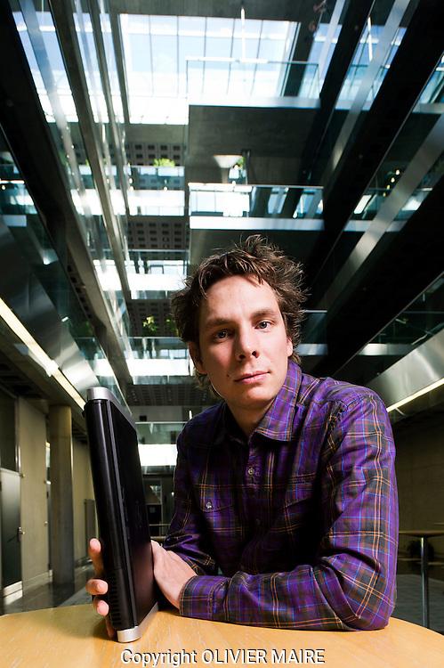 Gilles Florey, patron de Keylemon, start-up informatique, (pour le cahier Spécial Elections fédérales)  parc scientifique qui comprend l'IDIAP pose le 6 octobre 2011.(PHOTO-GENIC.CH/ OLIVIER MAIRE)