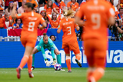 07-07-2019 FRA: Final USA - Netherlands, Lyon<br /> FIFA Women's World Cup France final match between United States of America and Netherlands at Parc Olympique Lyonnais. USA won 2-0 / Sari van Veenendaal #1 of the Netherlands