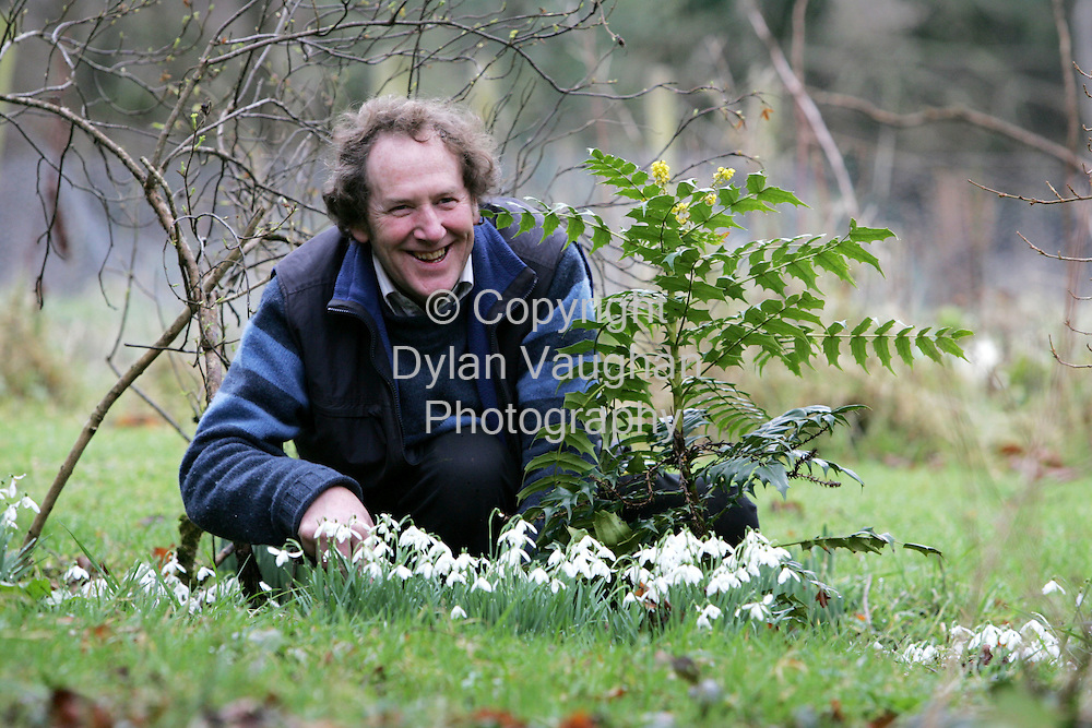 12/2/2006.Robert White pictured working in the Garden at his home in County Carlow..Picture Dylan Vaughan.