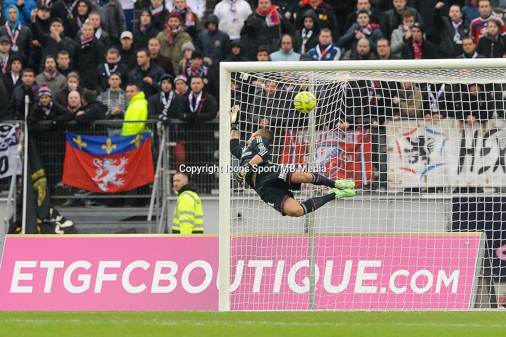 Goal Cedric BARBOSA / Anthony LOPES - 07.12.2014 - Evian Thonon / Lyon - 17eme journee de Ligue 1 -<br />Photo : Jean Paul Thomas / Icon Sport