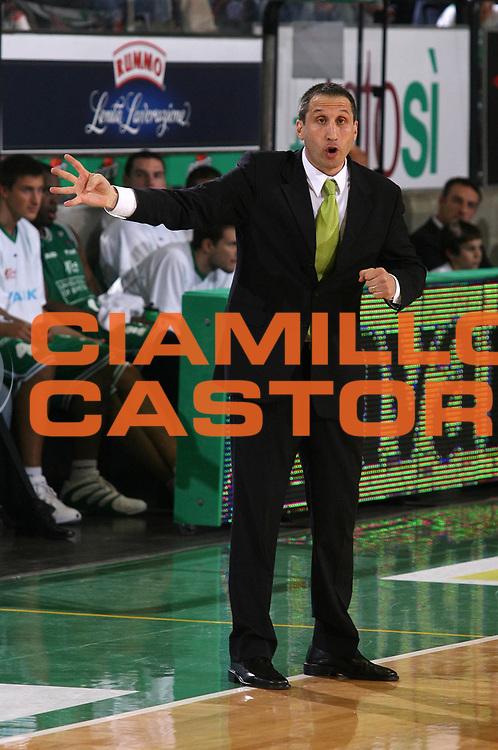 DESCRIZIONE : Treviso Lega A1 2005-06 Play Off Semifinale Gara 3 Benetton Treviso Lottomatica Virtus Roma <br /> GIOCATORE : Blatt <br /> SQUADRA : Benetton Treviso <br /> EVENTO : Campionato Lega A1 2005-2006 Play Off Semifinale Gara 3 <br /> GARA : Benetton Treviso Lottomatica Virtus Roma <br /> DATA : 06/06/2006 <br /> CATEGORIA : Ritratto <br /> SPORT : Pallacanestro <br /> AUTORE : Agenzia Ciamillo-Castoria/G.Ciamillo
