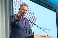 09 MAY 2019, BERLIN/GERMANY:<br /> Dr. Michael Frenzel, Praesident des Wirtschaftsforums der SPD, haelt eine Rede, Wirtschaftskonferenz und Parlementarischer Abend, Wirtschaftsforum der SPD, Kalkscheune<br /> IMAGE: 20190509-01-192
