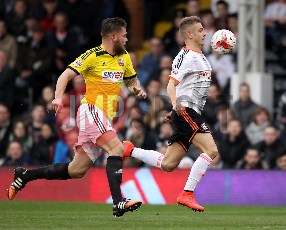 Fulham's Alex Kacaniklic takes on Brentford's Harlee Dean - Photo mandatory by-line: Robbie Stephenson/JMP - Mobile: 07966 386802 - 03/04/2015 - SPORT - Football - Fulham - Craven Cottage - Fulham v Brentford - Sky Bet Championship