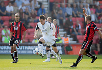 Photo: Leigh Quinnell.<br /> AFC Bournemouth v Swansea City. Coca Cola League 1. 14/04/2007. Swanseas Darryl Duffy breaks through the Bournemouth defence, but is given offside.