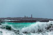 Big waves at Grasøyane lighthouse, Norway | Store bølger ved Grasøyane fyrlykt, utenfor Flø, Norge.