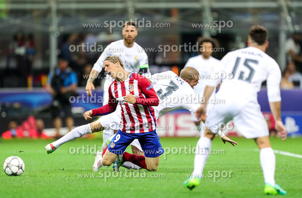Fernando Torres of Atlético vs Pepe of Real Madridl during football match between Real Madrid (ESP) and Atlético de Madrid (ESP) in Final of UEFA Champions League 2016, on May 28, 2016 in San Siro Stadium, Milan, Italy. Photo by Vid Ponikvar / Sportida
