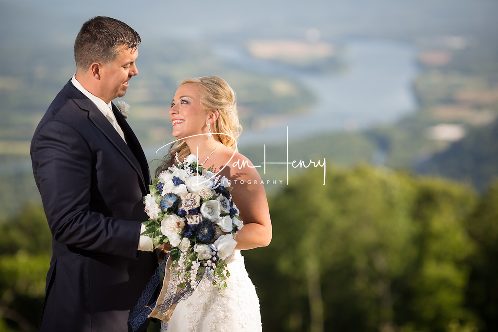 The wedding of Brittany Hoefer and Jeremy Perry at Pat's Summit pavillion in the Jasper Highlands community on May 14, 2016. © Dan Henry / BiciPhoto.com