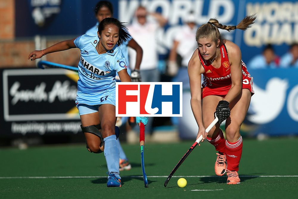 JOHANNESBURG, SOUTH AFRICA - JULY 18: Sarah Haycroft of England and Sushila Pukhrambam of India battle for possession during the Quarter Final match between England and India during the FIH Hockey World League - Women's Semi Finals on July 18, 2017 in Johannesburg, South Africa.  (Photo by Jan Kruger/Getty Images for FIH)