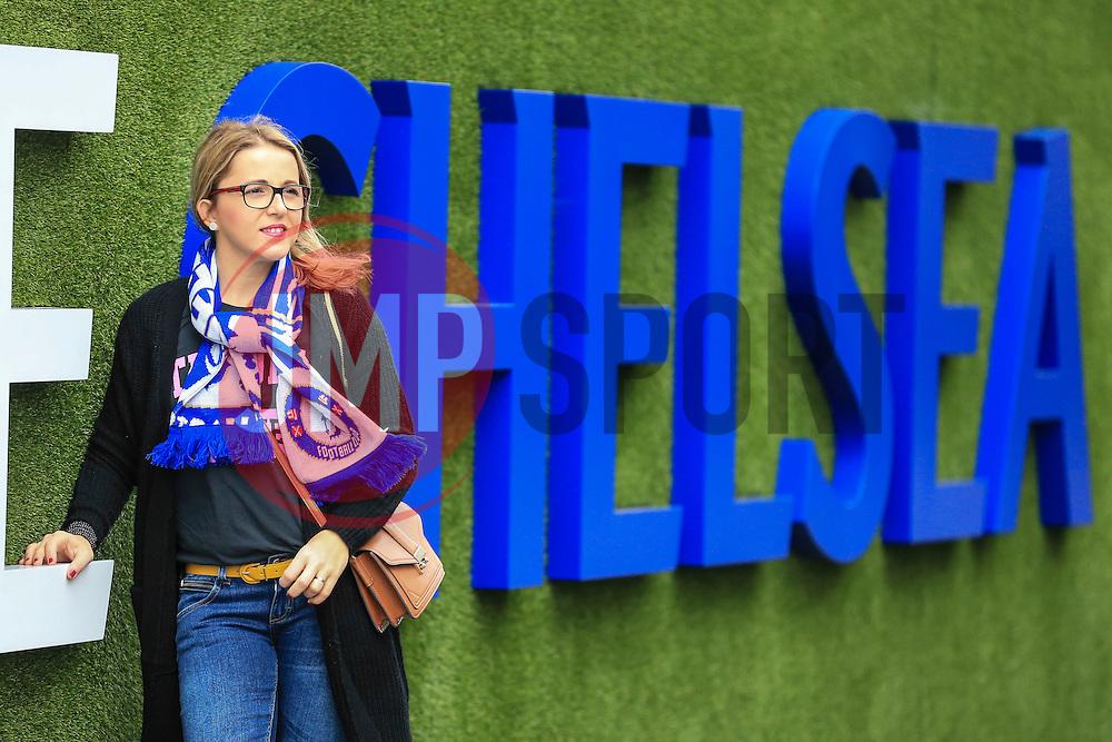 Chelsea fan pose for photos at Stamford Bridge - Mandatory by-line: Jason Brown/JMP - 15/10/2016 - FOOTBALL - Stamford Bridge - London, England - Chelsea v Leicester City - Premier League