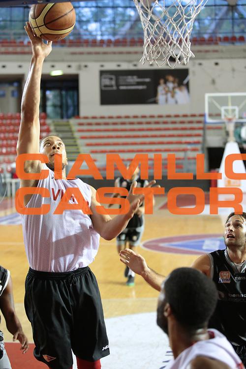 DESCRIZIONE : amichevole Virtus Roma vs Latina<br /> GIOCATORE : Brandon Triche<br /> CATEGORIA : tiro<br /> SQUADRA : Virtus Roma<br /> EVENTO :  amichevole precampionato<br /> GARA : Virtus Roma vs Latina<br /> DATA : 18/09/2014 <br /> SPORT : Pallacanestro <br /> AUTORE : Agenzia Ciamillo-Castoria / Marco Simoni<br /> Galleria : Precampionato 2014/2015 Fotonotizia : amichevole Virtus Roma vs Latina<br /> Predefinita :