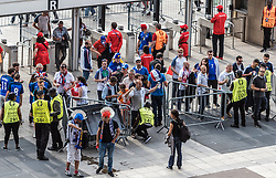 10.06.2016, Parc de Princes, Paris, FRA, UEFA Euro, Frankreich, Frankreich vs Rumaenien, Gruppe A, Vorbericht, im Bild Sicherheitskontrollen am Stadion Eingang // Security checks at the stadium entrance before Group A match between France and Romania of the UEFA EURO 2016 France at the Parc de Princes in Paris, France on 2016/06/10. EXPA Pictures © 2016, PhotoCredit: EXPA/ JFK