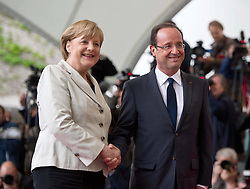 Bildnummer: 57991876..Chancellor Angela Merkel and Franois Grard Georges Nicolas Hollande Visit and Reception with military Honor the French Presidents in Federal Chancellery in Berlin Germany, Tuesday May 15, 2012.Sven Simon/imago/ i-Images