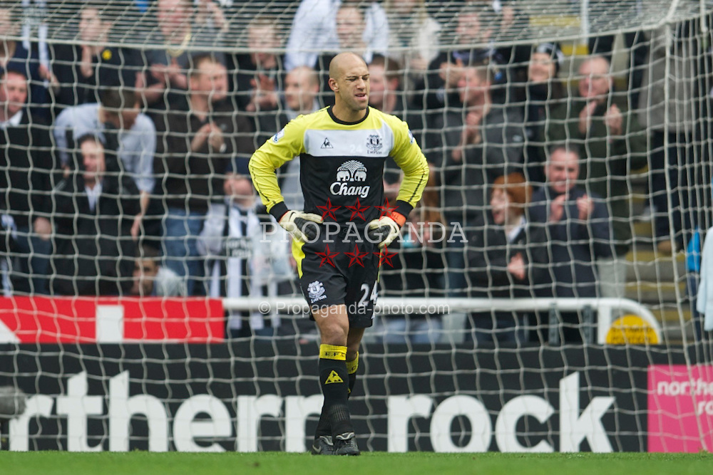 NEWCASTLE, ENGLAND - Saturday, March 5, 2011: Everton's goalkeeper Tim Howard looks dejected as Newcastle United score the opening goal during the Premiership match at St. James' Park. (Photo by David Rawcliffe/Propaganda)