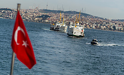 THEMENBILD - Schiffsverkehr am Bosporus. Istanbul, früher Konstantinopel, ist die größte Stadt der Türkei. Sie liegt am Bosporus und liegt am Schnittpunkt von Asien und Europa. Aufgenommen am 06.03.2016 in Istanbul, Türkei // maritime traffic on Bosphorus. Istanbul, former Constantinople, is the biggest City of Turkey. Turkey on 2016/03/06. EXPA Pictures © 2016, PhotoCredit: EXPA/ Michael Gruber