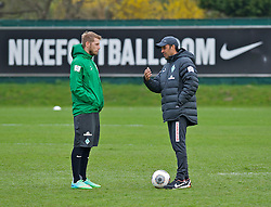 28.03.2014, Trainingsgelaende, Bremen, GER, 1. FBL, Werder Bremen, Training, im Bild Aaron Hunt (Bremen #14) im Gesprach mit Robin Dutt (Cheftrainer SV Werder Bremen) // Aaron Hunt (Bremen #14) im Gesprach mit Robin Dutt (Cheftrainer SV Werder Bremen) during a Trainingssession of German Bundesliga Club SV Werder Bremen at the Trainingsgelaende in Bremen, Germany on 2014/03/28. EXPA Pictures &copy; 2014, PhotoCredit: EXPA/ Andreas Gumz<br /> <br /> *****ATTENTION - OUT of GER*****