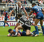 Scott Grix (L) of Wakefield Trinity  scores the 1st try of the match against Widnes Vikings during the Betfred Super League match at the Dacia Magic Weekend at St. James's Park, Newcastle<br /> Picture by Stephen Gaunt/Focus Images Ltd +447904 833202<br /> 20/05/2017