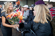 2-12-2016 WAALRE - Queen Maxima visit Friday, December 2nd community Splendour in Waalre. The community this year is one of three winners of a Appeltje of Oranje.De Splendour since 1981 the activity and meeting place for the inhabitants of Aalst Waalre and the Ekenrooi district in particular. Many activities, courses and events to put them on, brings Splendour connection and togetherness in the small Brabant village. Splendor also offers facilities for some 35 local associations and clubs. In addition, the center is a partner of the municipality in the area of care and welzijn.COPYRIGHT ROBIN UTRECHT<br /> <br /> 2-12-2016   WAALRE - Koningin Maxima bezoekt vrijdag 2 december gemeenschapscentrum De Pracht in Waalre. Het gemeenschapscentrum was dit jaar een van de drie winnaars van een Appeltje van Oranje.De Pracht is sinds 1981 het activiteiten- en ontmoetingscentrum voor de bewoners van Aalst-Waalre en voor de wijk Ekenrooi in het bijzonder. Door veel activiteiten, cursussen en evenementen voor hen op te zetten, brengt De Pracht verbinding en saamhorigheid in het kleine Brabantse dorp. Ook biedt De Pracht faciliteiten voor zo&rsquo;n 35 lokale verenigingen en clubs. Daarnaast is het centrum een partner van de gemeente op het gebied van zorg en welzijn.COPYRIGHT ROBIN UTRECHT