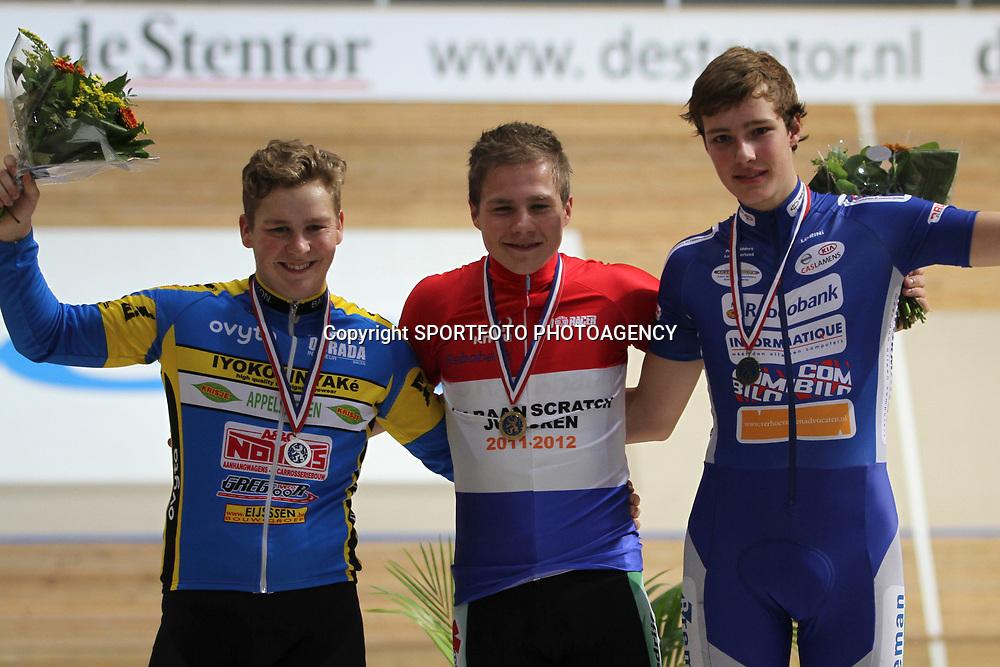 Dennis Looy kampioen junioren opde scratch voor Jan Willem Welter en Jan Willem van 't Schip
