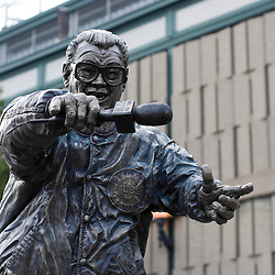 "Harry Caray statue outside Wrigley Field Chicago Cubs baseball park in Chicago, Illinois, USA. Born Harry Christopher Carabina March 1, 1914 he was a radio and TV broadcaster for Major League Baseball. He was nicknamed ""The Mayor of Rush Street"" and was famous for singing Take Me Out to the Ballgame during the seventh inning stretch. High resolution prints and stock photos are availalble."