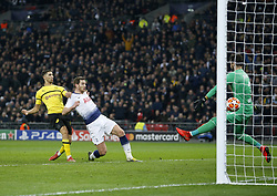 BRITAIN-LONDON-FOOTBALL-UEFA CHAMPIONS LEAGUE-TOTTENHAM VS DORTMUND.(190213) -- LONDON, Feb.13, 2019  Tottenham Hotspur's Jan Vertonghan (C) scores his team's second goal during the UEFA Champions League Round of 16 1st Leg match between Tottenham Hotspur and Borussia Dortmund at Wembley Stadium in London, Britain on Feb. 13, 2019. Tottenham Hotspur won 3-0.  FOR EDITORIAL USE ONLY. NOT FOR SALE FOR MARKETING OR ADVERTISING CAMPAIGNS. NO USE WITH UNAUTHORIZED AUDIO, VIDEO, DATA, FIXTURE LISTS, CLUB/LEAGUE LOGOS OR ''LIVE'' SERVICES. ONLINE IN-MATCH USE LIMITED TO 45 IMAGES, NO VIDEO EMULATION. NO USE IN BETTING, GAMES OR SINGLE CLUB/LEAGUE/PLAYER PUBLICATIONS. (Credit Image: © Matthew Impey/Xinhua via ZUMA Wire)