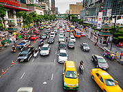 20 MAY 2015 - BANGKOK, THAILAND: Traffic on Ratchadamri Road at the Ratchaprasong Intersection. Bangkok has some of the most congested traffic in the world.    PHOTO BY JACK KURTZ